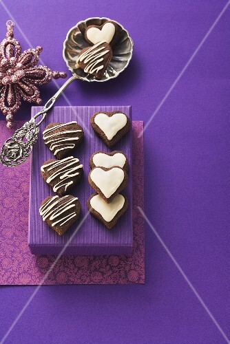 Chocolate hearts filled with chocolate cream