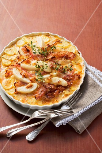 Potato bake with pears and bacon