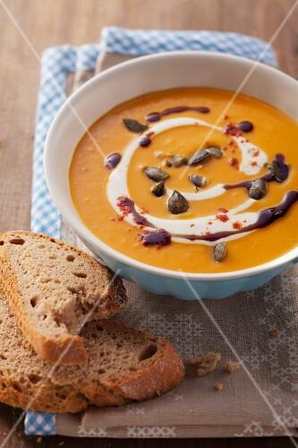 Cream of pumpkin soup with pepper