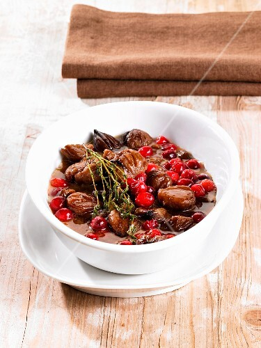 Glazed chestnuts with cranberries and thyme