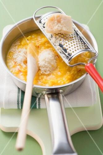 Risotto alla milanese (saffron risotto, Lombardi, Italy)