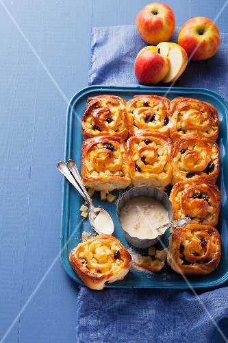 Apple buns and custard