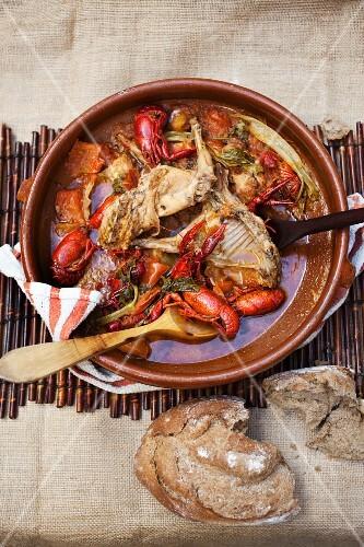 Rabbit stew with crayfish
