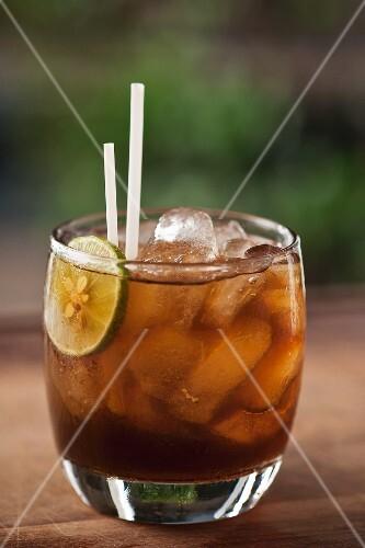 Agua de panela (Columbian can sugar drink)