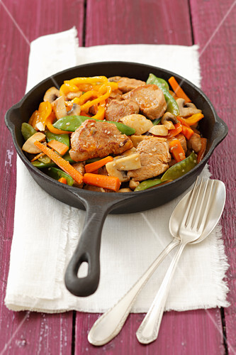 Stir-fried pork loin and vegetables