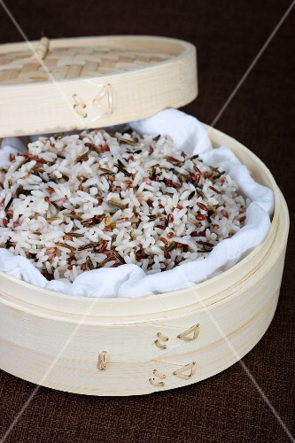 Wild rice in bamboo steamer