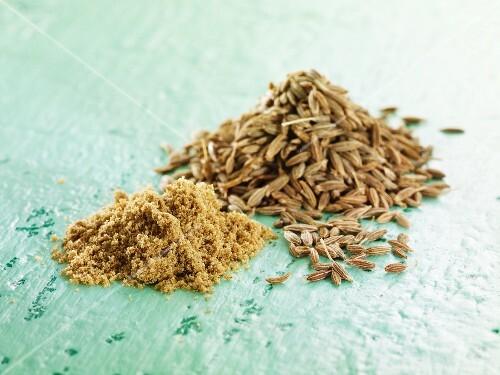 Cumin seeds and powder