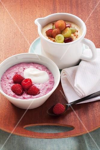 Porridge with fresh raspberries and sweet polenta with grapes
