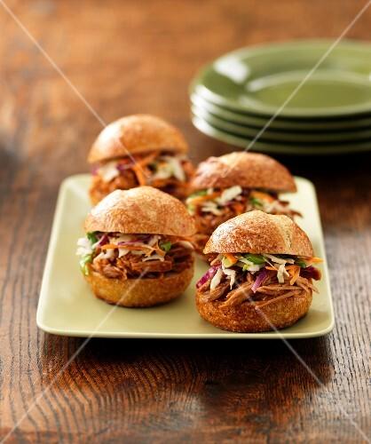Pulled pork sandwiches (USA)