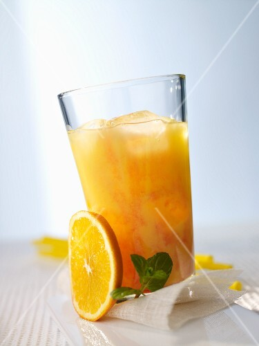 Banana-orange cocktail