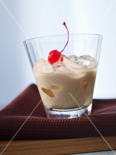 'Orgasm' (cocktail with Irish cream)