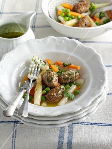 Leipziger Allerlei (German vegetable stew) with meatballs