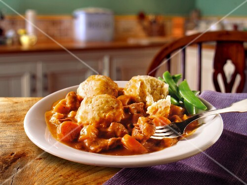 Beef casserole with dumplings (England)