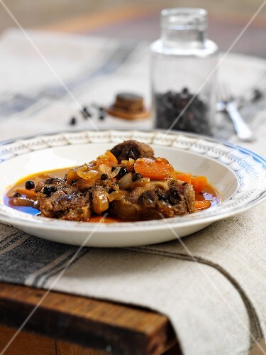 Oxtail ragout with juniper berries