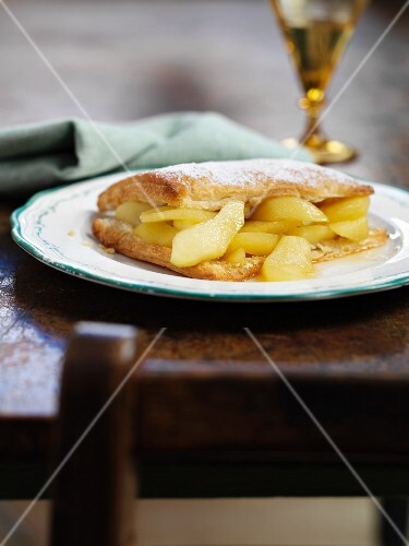 Puff pastry and apple confection