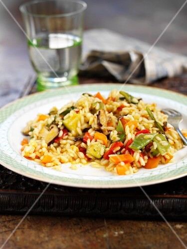 Stir-fried rice and vegetables