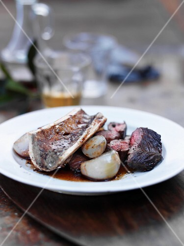 Sirloin with shallots and marrowbone