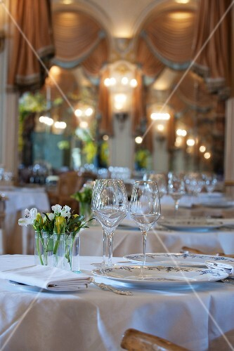 Dining room at the Ritz hotel in Paris