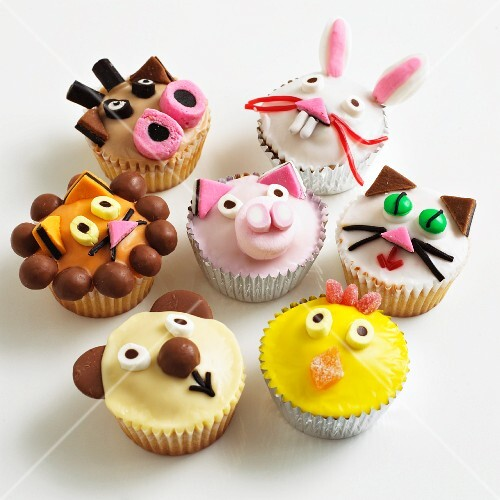 Cupcakes decorated with animal faces
