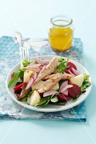 Beetroot salad with potatoes and smoked mackerel