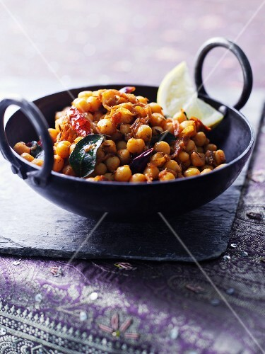Chickpeas with chilli peppers (India)