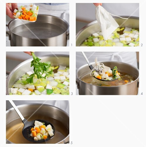 Gemüsebrühe vorbereiten