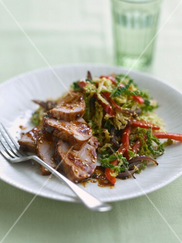 Pork fillet with sesame seeds and savoy cabbage