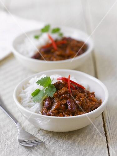Chilli con carne with rice and coriander