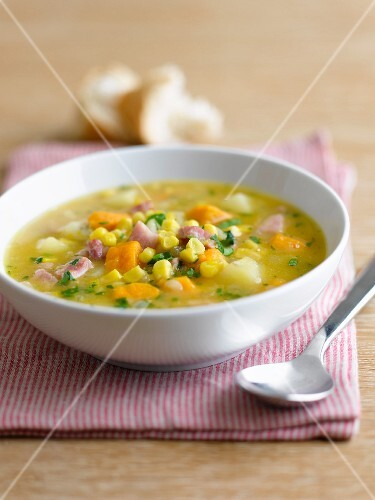 Chowder with sweetcorn and vegetables
