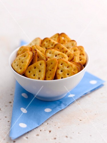 A bowl of snacks