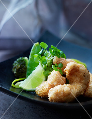 Prawn tempura with green vegetables