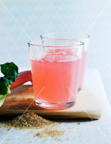 Rhubarb lemonade