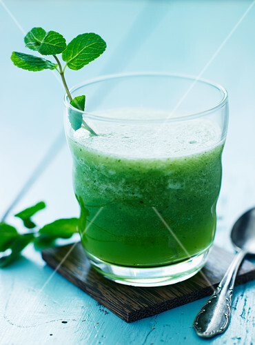 A cucumber and melon drink with mint