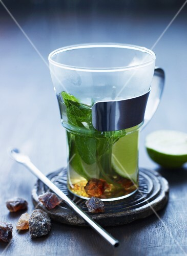 Mint tea with lime and rock sugar
