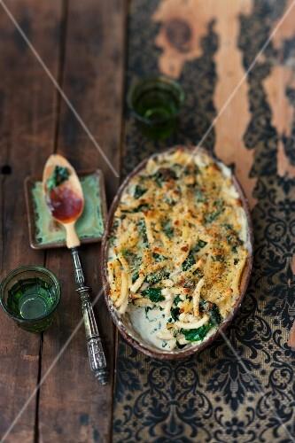 Maccaroni and spinach bake
