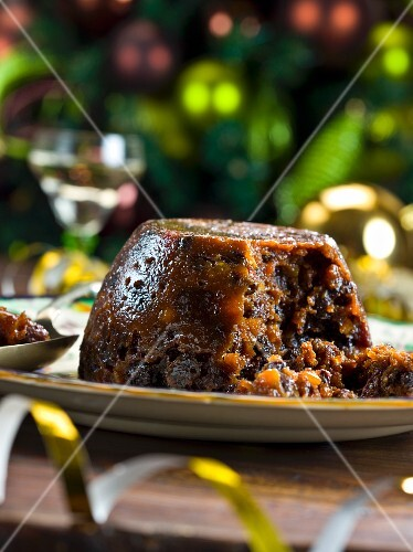Traditional Christmas pudding (England)
