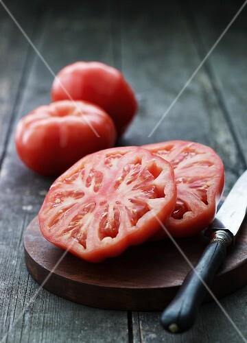 A sliced beef steak tomato