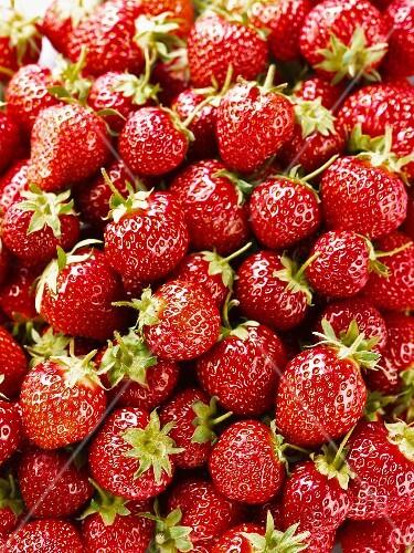 Strawberries (full frame)