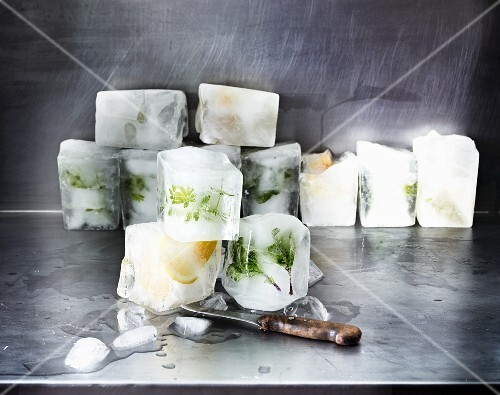 Woodruff and lemon ice cubes (ingredients for May punch)