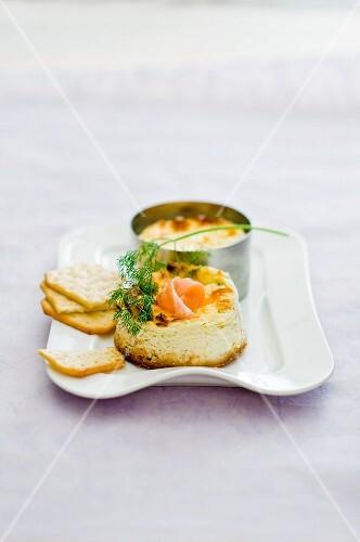 Mini cheese cakes with salmon