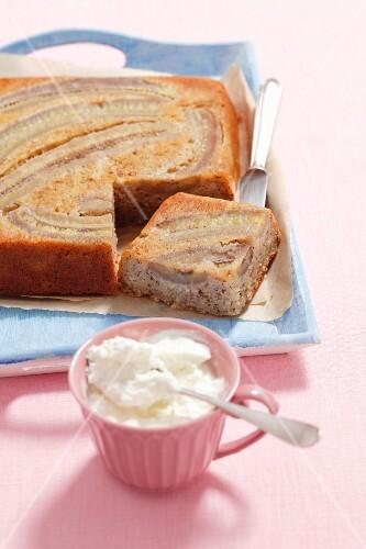 Banana cake with Greek yogurt