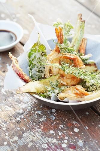 Tempura (vegetables, shrimp and herbs, Japan)