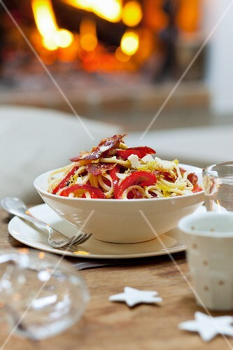 Spaghetti with peppers and chorizo for Christmas