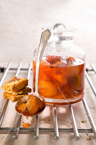 Peach compote with cloves