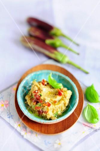 Aubergine creme with basil