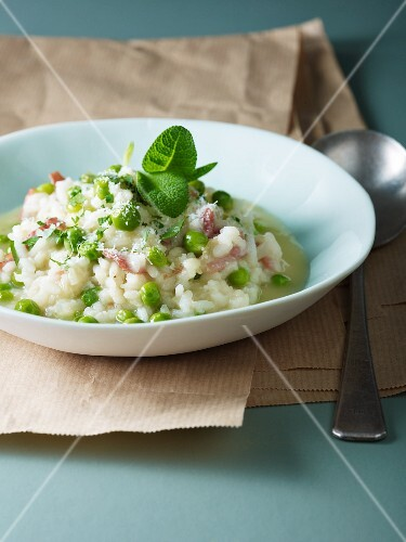 Risotto with peas and mint