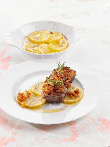 Gratinated rump steak with lemons