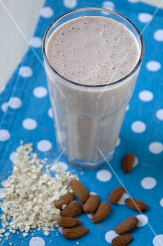 Oatmeal and Almond Breakfast Smoothie in a Glass