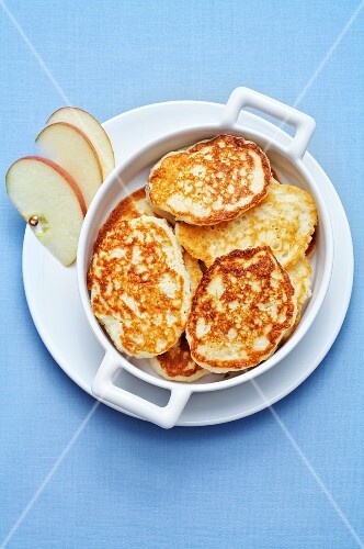 Sweet apple pancakes from Russia