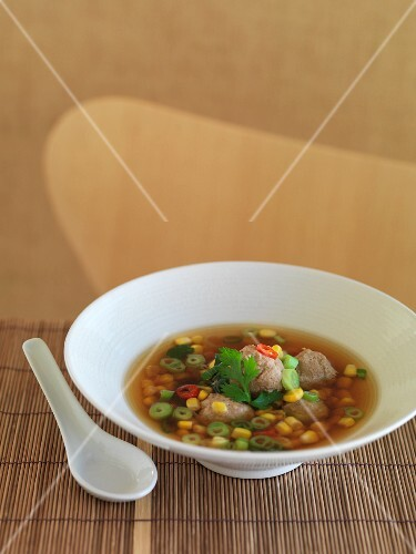 Sweetcorn soup with chicken dumplings (Asia)